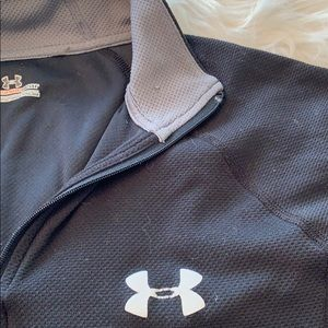 Under Armour Tops - Under Armour All Season Gear Top in Medium GUC